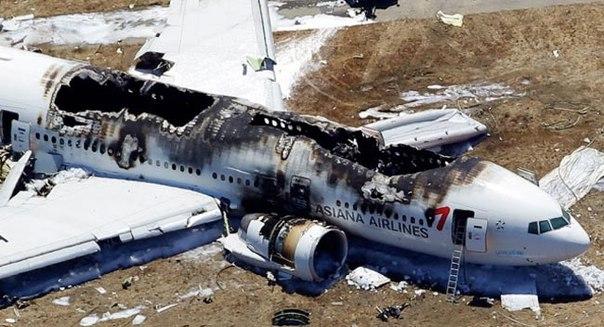 10 способов увеличить шансы на выживание в авиакатастрофе.