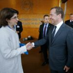 """<span class=""""title"""">Медведев: Россия оценит перспективы полноценного членства в ЦЕРН</span>"""