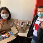 Волонтеры СЗАО доставили продуктовые наборы жителям